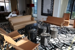 Premier Suite: Living Room