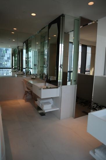 Premier Suite: Twin Sinks