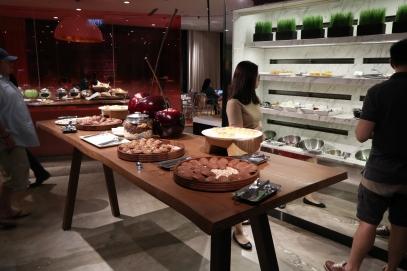 Executive Lounge: Deli
