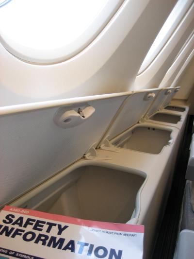 SQ A380 Upper Deck Economy Side Storage (Edward Russell)
