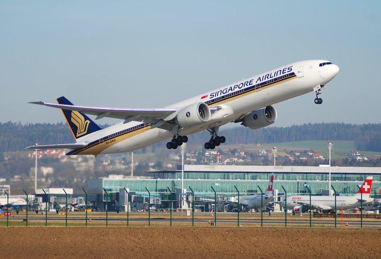 SQ 777 at ZRH (Aero Icarus)