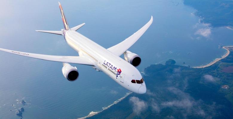 LATAM 787 (LATAM).jpg