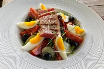 Tuna Nicoise Salad. (Photo: MainlyMiles)