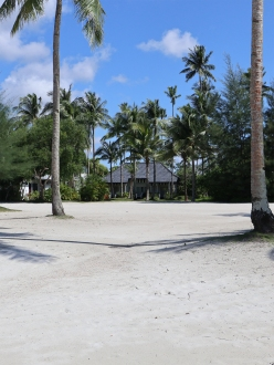 Direct beach access. (Photo: MainlyMiles)