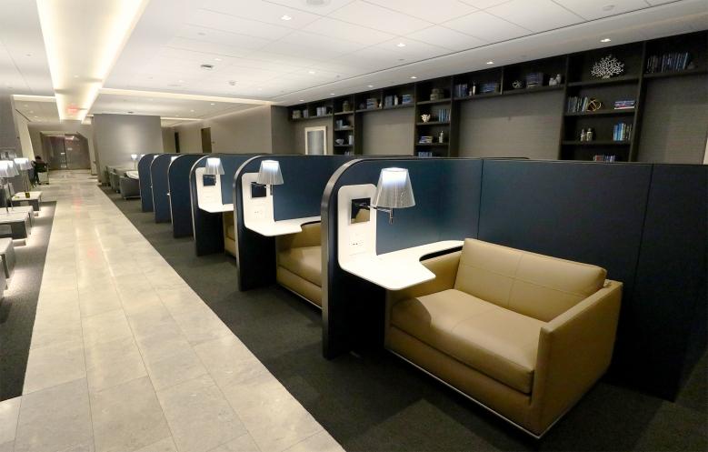 Review: United Polaris Lounge San Francisco