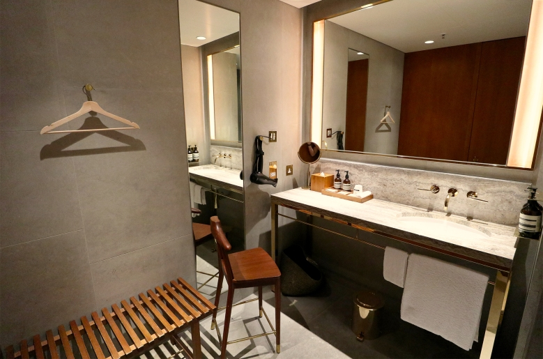 Showers Room.jpg